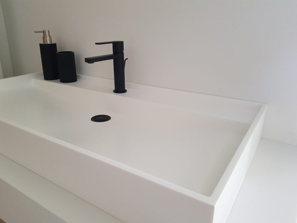 Solidz Solid Surface wasbak - Royal Large Betacryl Sideview